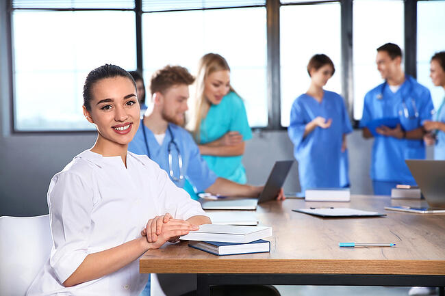 How Do I Choose the Right School for a Medical Assistant Program?